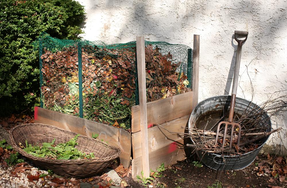 Backyard compost system